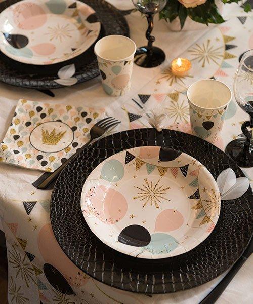 Serviettes pour le 18 anniversaire en Rose Noir Papier Table Décoration Fête Cérémonie